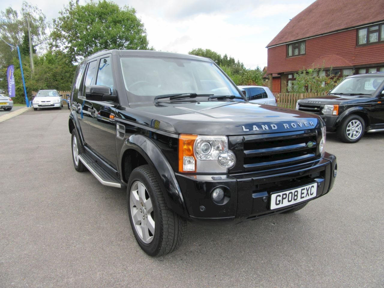Used land rover discovery tdv6 hse e4 east sussex for Land rover garage