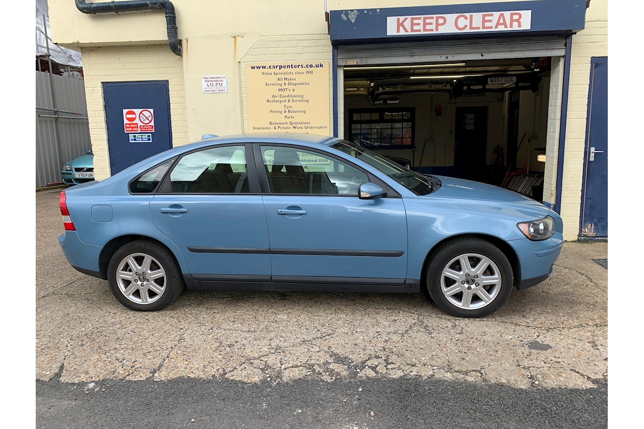 S40 1.6 S Saloon Manual Petrol