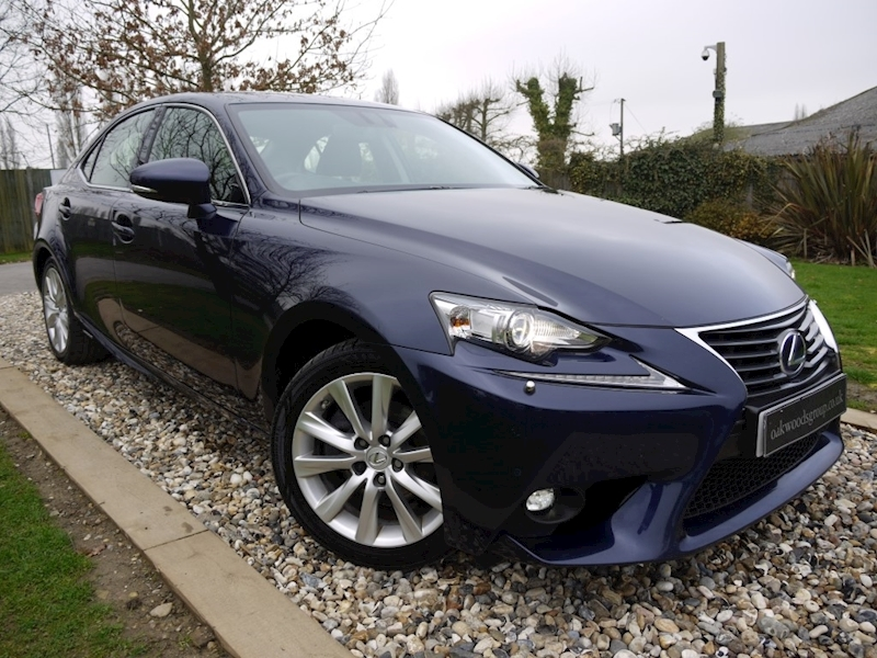 Lexus Is 300H Executive Edition (1 Owner+Full Lexus History+Sat Nav+Leather+More!!)