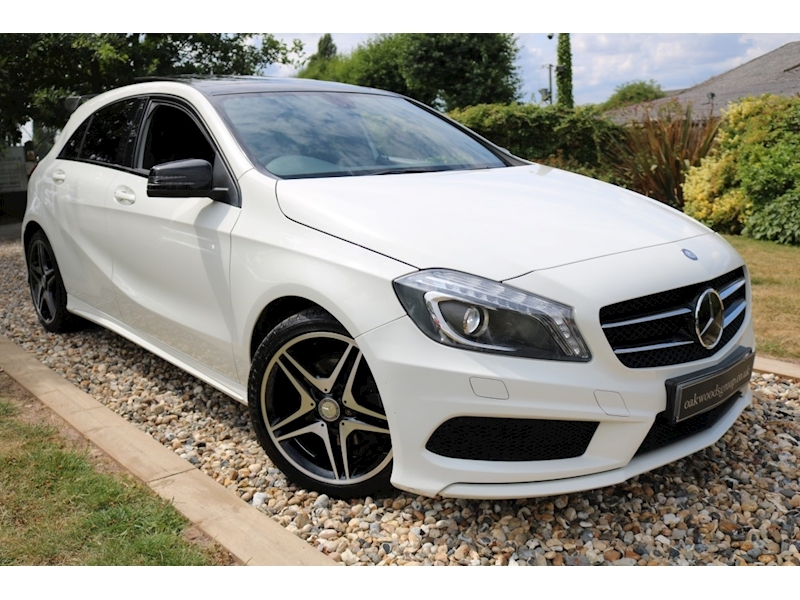Mercedes A-Class A200 Blueefficiency Amg Sport (AMG Exclusive Pack+NIGHT Package+PANORAMIC Roof+Rear CAMERA)