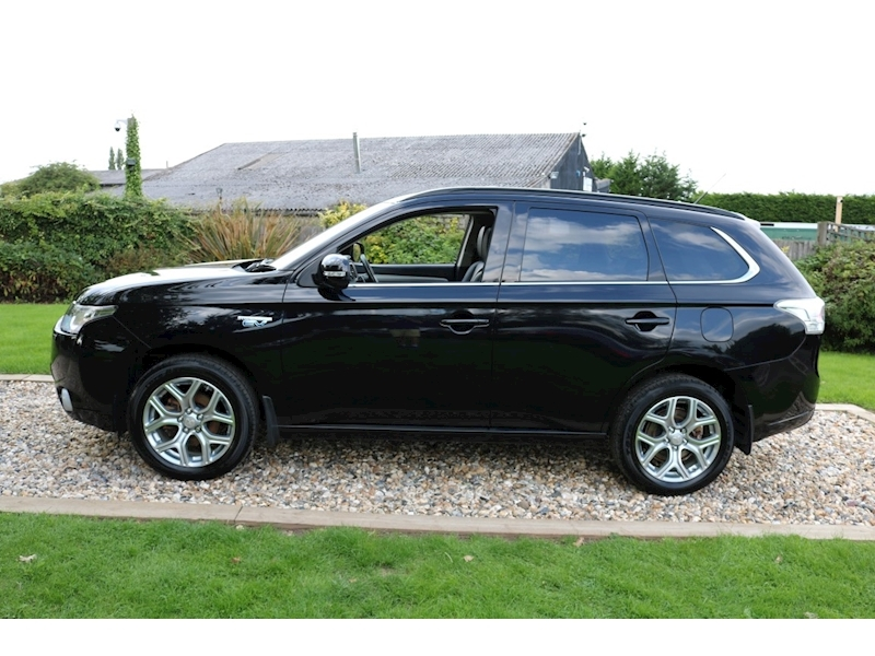 Used Mitsubishi Outlander PHEV GX 4H (Sat Nav+Leather+4WD+Sunroof+