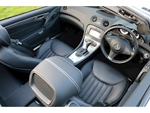 Mercedes Sl Sl350 (PAN ROOF+Sport Pack+TRACKER+DAB+Keyless+AIR SCARF+6 Mercedes Stamps) - Thumb 8