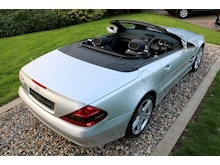 Mercedes Sl Sl350 (PAN ROOF+Sport Pack+TRACKER+DAB+Keyless+AIR SCARF+6 Mercedes Stamps) - Thumb 33