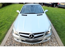 Mercedes Sl Sl350 (PAN ROOF+Sport Pack+TRACKER+DAB+Keyless+AIR SCARF+6 Mercedes Stamps) - Thumb 11