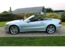 Mercedes Sl Sl350 (PAN ROOF+Sport Pack+TRACKER+DAB+Keyless+AIR SCARF+6 Mercedes Stamps) - Thumb 29