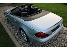 Mercedes Sl Sl350 (PAN ROOF+Sport Pack+TRACKER+DAB+Keyless+AIR SCARF+6 Mercedes Stamps) - Thumb 14