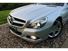 Mercedes Sl Sl350 (PAN ROOF+Sport Pack+TRACKER+DAB+Keyless+AIR SCARF+6 Mercedes Stamps) - Thumb 23