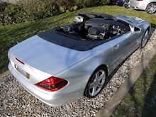 Mercedes Sl Sl350 (PAN ROOF+Sport Pack+TRACKER+DAB+Keyless+AIR SCARF+6 Mercedes Stamps) - Thumb 46