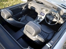 Mercedes Sl Sl350 (PAN ROOF+Sport Pack+TRACKER+DAB+Keyless+AIR SCARF+6 Mercedes Stamps) - Thumb 25