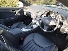 Mercedes Sl Sl350 (PAN ROOF+Sport Pack+TRACKER+DAB+Keyless+AIR SCARF+6 Mercedes Stamps) - Thumb 43
