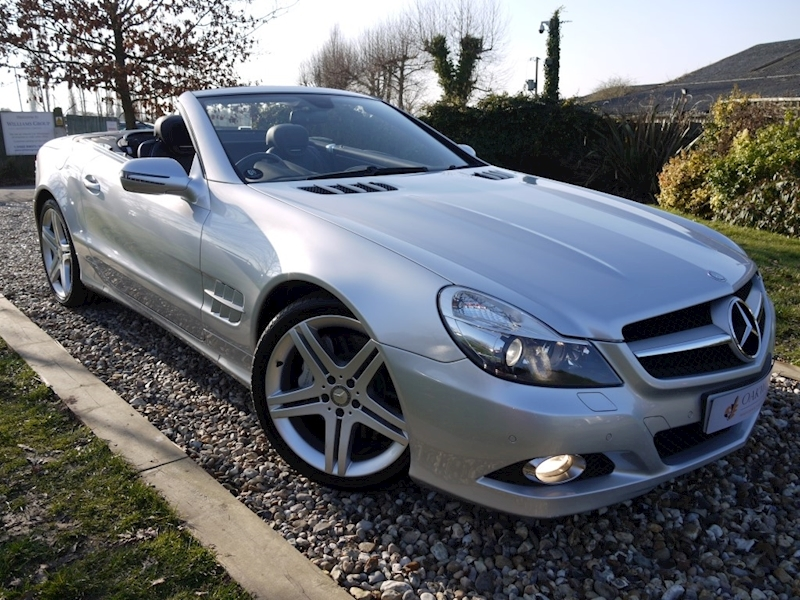 Mercedes Sl Sl350 (PAN ROOF+Sport Pack+TRACKER+DAB+Keyless+AIR SCARF+6 Mercedes Stamps)