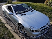 Mercedes Sl Sl350 (PAN ROOF+Sport Pack+TRACKER+DAB+Keyless+AIR SCARF+6 Mercedes Stamps) - Thumb 24