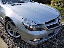 Mercedes Sl Sl350 (PAN ROOF+Sport Pack+TRACKER+DAB+Keyless+AIR SCARF+6 Mercedes Stamps) - Thumb 32