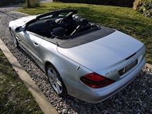 Mercedes Sl Sl350 (PAN ROOF+Sport Pack+TRACKER+DAB+Keyless+AIR SCARF+6 Mercedes Stamps) - Thumb 42