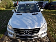 Mercedes M-Class ML350 Bluetec Special Edition (COMAND Sat Nav+Running Boards+Rear Park+CRUISE+ELECTRIC Seats) - Thumb 5
