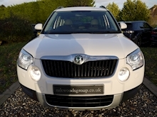 Skoda Yeti 2.0 TDI Elegance CR ( Factory SAT NAV+HEATED Seats+DAB+Full Leather+Cruise Control+Full History - Thumb 4