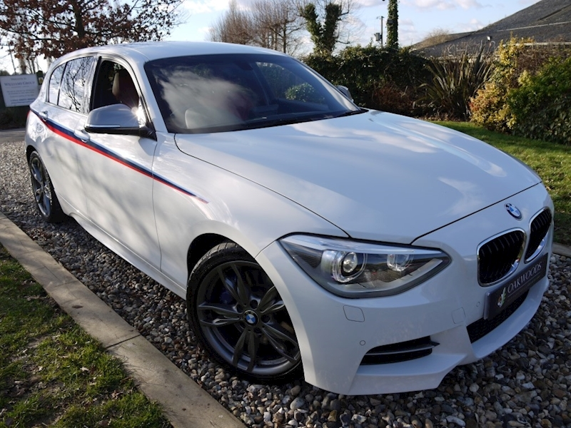 Bmw 1 Series M135i (Professional NAV+DAB+Harman Kardon Hi-Fi+PDC+Cruise Control+Black Panel)