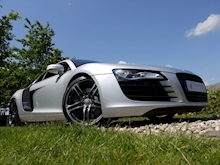 Audi R8 4.2 Quattro R Tronic (Sat Nav PLUS+Bang & Olusfen+Front and Rear PDC+CD+Light Package+Audi History) - Thumb 6