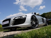 Audi R8 4.2 Quattro R Tronic (Sat Nav PLUS+Bang & Olusfen+Front and Rear PDC+CD+Light Package+Audi History) - Thumb 16