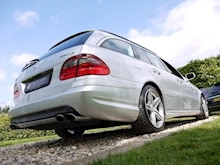 Mercedes E Class E63 AMG (COMAND+ParkTronic+Last Owner 8 Years+Full MERCEDES History+Outstanding Condition) - Thumb 30