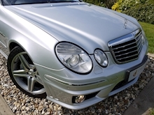 Mercedes E Class E63 AMG (COMAND+ParkTronic+Last Owner 8 Years+Full MERCEDES History+Outstanding Condition) - Thumb 6