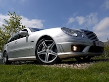 Mercedes E Class E63 AMG (COMAND+ParkTronic+Last Owner 8 Years+Full MERCEDES History+Outstanding Condition) - Thumb 4