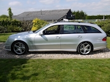 Mercedes E Class E63 AMG (COMAND+ParkTronic+Last Owner 8 Years+Full MERCEDES History+Outstanding Condition) - Thumb 26