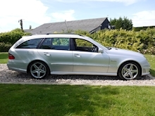 Mercedes E Class E63 AMG (COMAND+ParkTronic+Last Owner 11 Years+Full MERCEDES History+Outstanding Condition) - Thumb 10