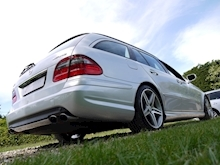 Mercedes E Class E63 AMG (COMAND+ParkTronic+Last Owner 11 Years+Full MERCEDES History+Outstanding Condition) - Thumb 8