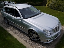 Mercedes E Class E63 AMG (COMAND+ParkTronic+Last Owner 11 Years+Full MERCEDES History+Outstanding Condition) - Thumb 22