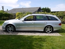 Mercedes E Class E63 AMG (COMAND+ParkTronic+Last Owner 11 Years+Full MERCEDES History+Outstanding Condition) - Thumb 42