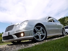 Mercedes E Class E63 AMG (COMAND+ParkTronic+Last Owner 11 Years+Full MERCEDES History+Outstanding Condition) - Thumb 6