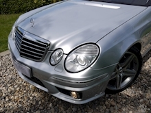 Mercedes E Class E63 AMG (COMAND+ParkTronic+Last Owner 11 Years+Full MERCEDES History+Outstanding Condition) - Thumb 35