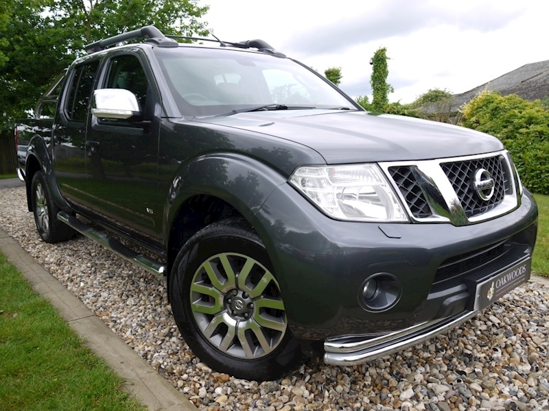 Nissan Navara 3.0 V6 DCi Outlaw 4X4 Double Cab (SAT NAV+Sunroof+Chrome Pack+Rear CAMERA+Leather+HISTORY)