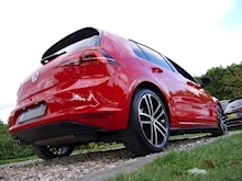 Volkswagen Golf GTD (Discover Sat Nav PRO+KEYLESS+Adaptive Cruise+POWER Mirrors+PRIVACY+Xenons+Winter Pk) - Thumb 26