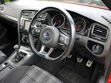 Volkswagen Golf GTD (Discover Sat Nav PRO+KEYLESS+Adaptive Cruise+POWER Mirrors+PRIVACY+Xenons+Winter Pk) - Thumb 5