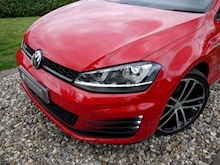 Volkswagen Golf GTD (Discover Sat Nav PRO+KEYLESS+Adaptive Cruise+POWER Mirrors+PRIVACY+Xenons+Winter Pk) - Thumb 33