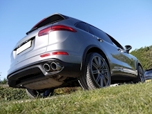 Porsche Cayenne S E-Hybrid Tiptronic (1 Director Owner+MEGA Spec+78,000 NEW List+Full Porsche History) - Thumb 33