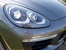 Porsche Cayenne S E-Hybrid Tiptronic (1 Director Owner+MEGA Spec+78,000 NEW List+Full Porsche History) - Thumb 12