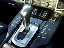 Porsche Cayenne S E-Hybrid Tiptronic (1 Director Owner+MEGA Spec+78,000 NEW List+Full Porsche History) - Thumb 11