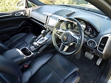 Porsche Cayenne S E-Hybrid Tiptronic (1 Director Owner+MEGA Spec+78,000 NEW List+Full Porsche History) - Thumb 1