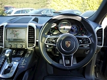 Porsche Cayenne S E-Hybrid Tiptronic (1 Director Owner+MEGA Spec+78,000 NEW List+Full Porsche History) - Thumb 19