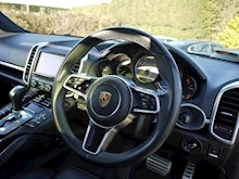 Porsche Cayenne S E-Hybrid Tiptronic (1 Director Owner+MEGA Spec+78,000 NEW List+Full Porsche History) - Thumb 32