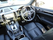Porsche Cayenne S E-Hybrid Tiptronic (1 Director Owner+MEGA Spec+78,000 NEW List+Full Porsche History) - Thumb 5