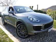 Porsche Cayenne S E-Hybrid Tiptronic (1 Director Owner+MEGA Spec+78,000 NEW List+Full Porsche History) - Thumb 0