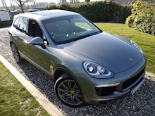 Porsche Cayenne S E-Hybrid Tiptronic (1 Director Owner+MEGA Spec+78,000 NEW List+Full Porsche History) - Thumb 8