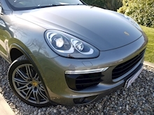 Porsche Cayenne S E-Hybrid Tiptronic (1 Director Owner+MEGA Spec+78,000 NEW List+Full Porsche History) - Thumb 22