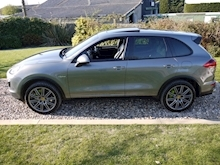 Porsche Cayenne S E-Hybrid Tiptronic (1 Director Owner+MEGA Spec+78,000 NEW List+Full Porsche History) - Thumb 40