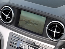 Mercedes-Benz SL Class AMG Sport (Panoramic Glass Roof+Air Scarf+AMG Sport Pack+Harmon Kardon+Full Mercedes History) - Thumb 19