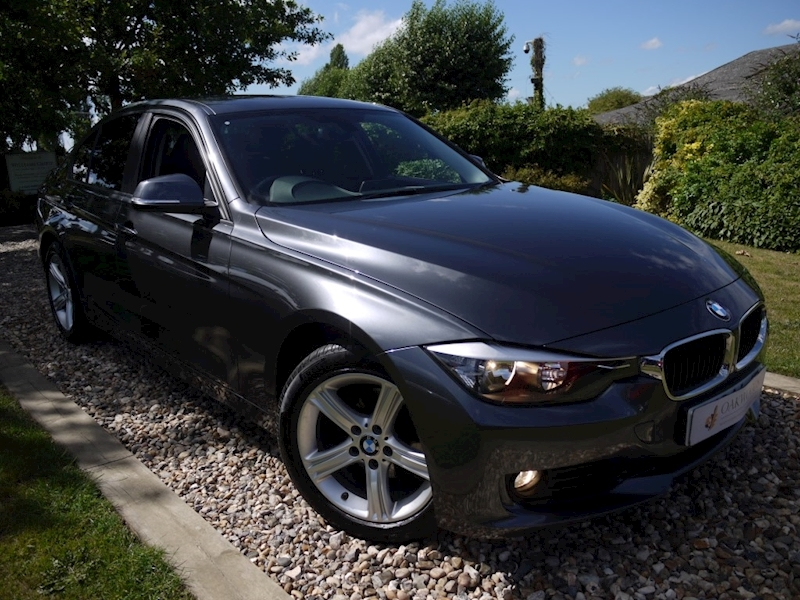 BMW 3 Series 318d SE Saloon (Auto+Heated Front Seats+SAT NAV+Privacy+Just 30 Tax+1 Private Owner)